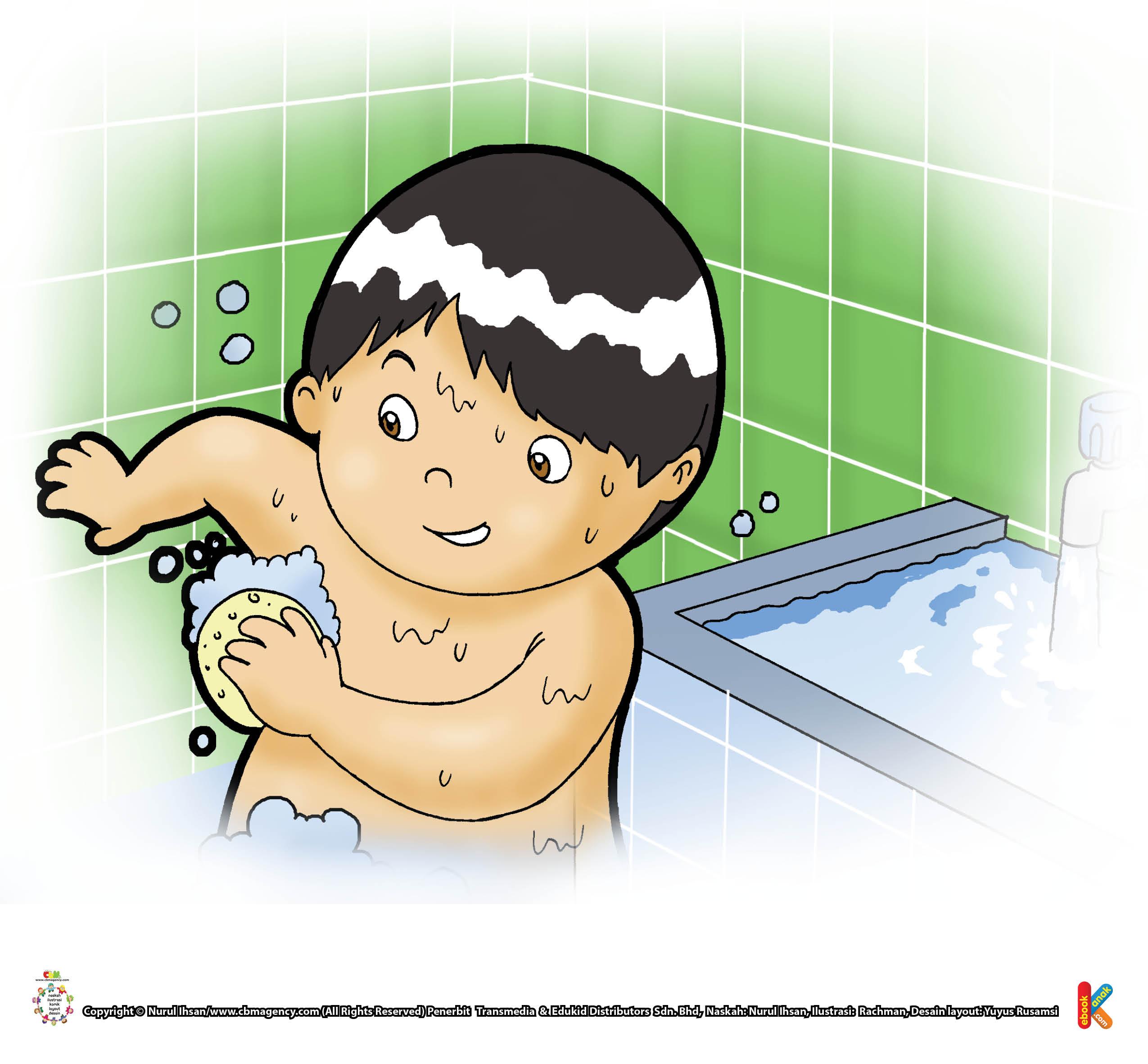 Pagi dan sore. Hm.... kalau rajin mandi, tubuh jadi bersih, sehat, dan wangi.
