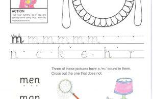 """Belajar Menulis Hurup """"M"""" Besar dan """"m"""" Kecil"""