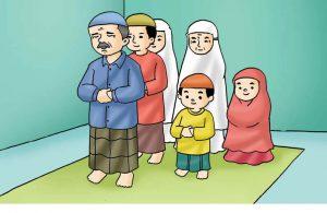 Gambar (23) Shalat Berjamaah Bersama Keluarga