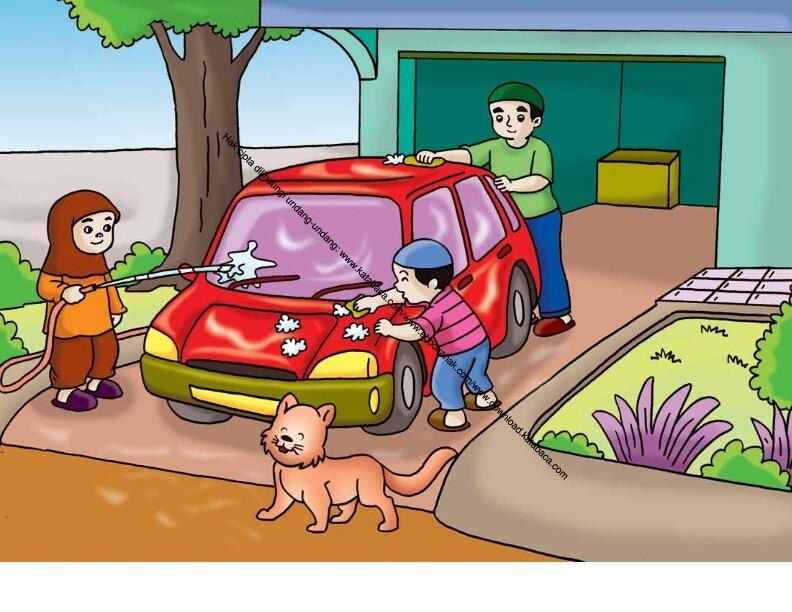 Gambar (57) Membantu Ayah Mencuci dan Membersihkan Mobil