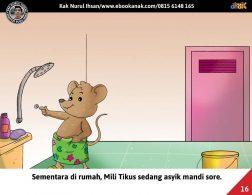 Moli Tikus Lupa Waktu, Mili Tikus sedang Mandi Sore (16)